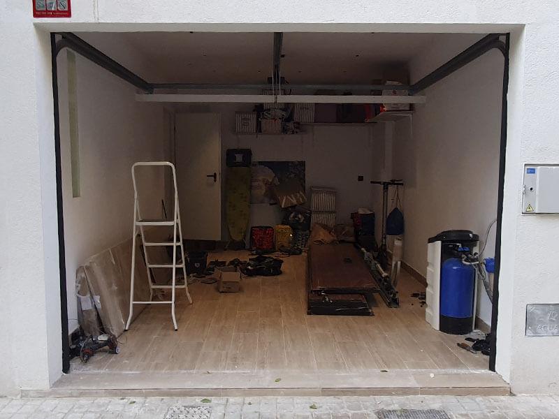 instalación de puertas seccionales en Valencia