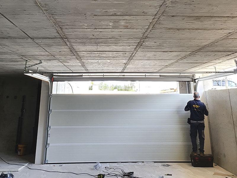 sustitución puertas de garaje seccionales valencia