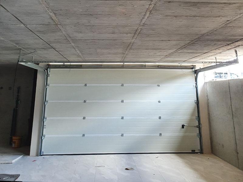 Montaje puertas de garaje Valencia